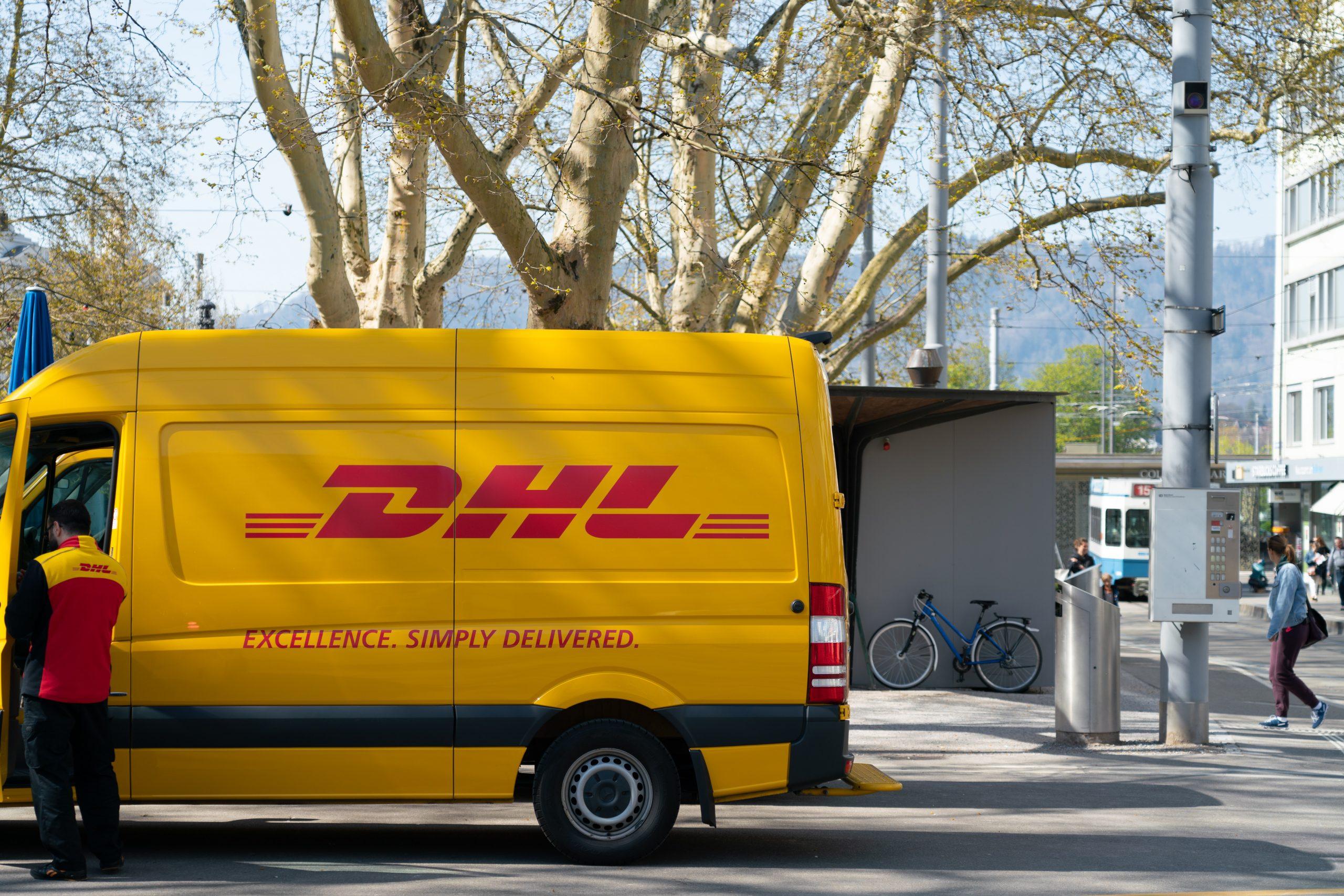 tráfico postal y envíos urgentes